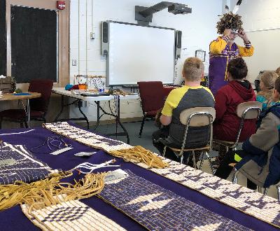 Fourth grade students celebrate Haudenosaunee culture